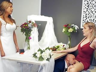 Bridesmaid calm down groom hard sexual connection