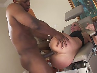 Big booty milf in strong scenes of interracial