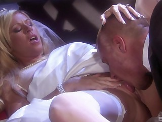 Busty blonde MILF in stockings Ahryan Ashtyn fucked changeless missionary