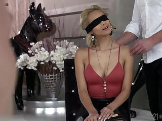 Veronica Leal enjoys double probingly with the brush visitors at the a facial