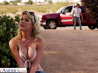 Hot blooded cowboy bang juicy pussy of attracting hitchhiker Kit Mercer
