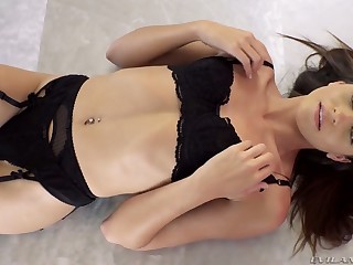 Man weathering bitch Avi Love is licking sweaty anal aperture of her new boyfriend