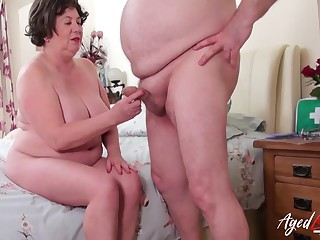 Hardcore mature sexual intercourse with doctor together with nurse together with blowjob