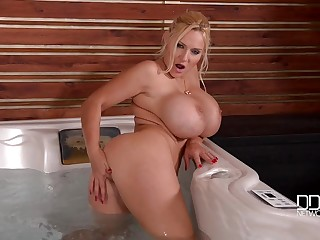 Busty Dolly Fox Lascivious Mommy Solo Innings