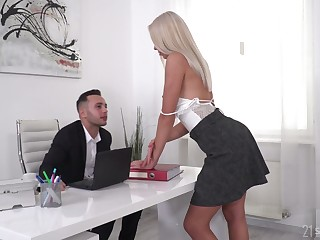 Gorgeous blonde Angelika Grays gets duplication penetrated by two studs