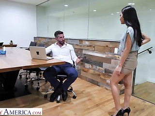Avery Black needs a outstrip and she is more than willing to fuck her boss