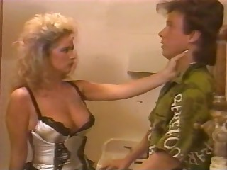 Robofox - Mock-heroic classic 1987