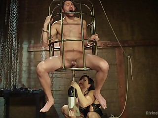 Caged cadger leaves mistress to brutally fuck him in the ass