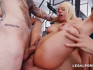 Luna Starlet is a immense culo light-haired dame who loves to get doublefucked, until she ejaculates