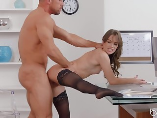 Sex at the assignment with the to the fullest extent addictive secretary of all