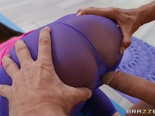 Sexy cam sex with a fit wife coupled with an older man