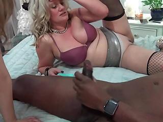 Horny MILFs fucking cocks in hardcore swinger foursome